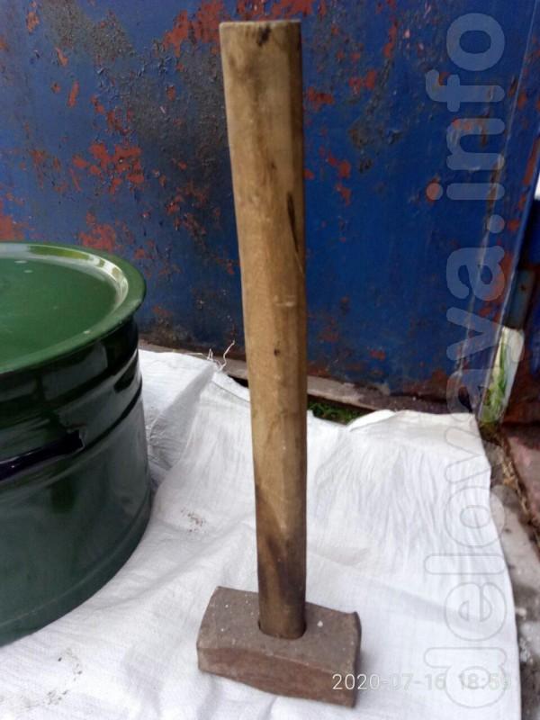 Кувалда производства СССР с дубовой рукояткой. В рабочем отличном сос