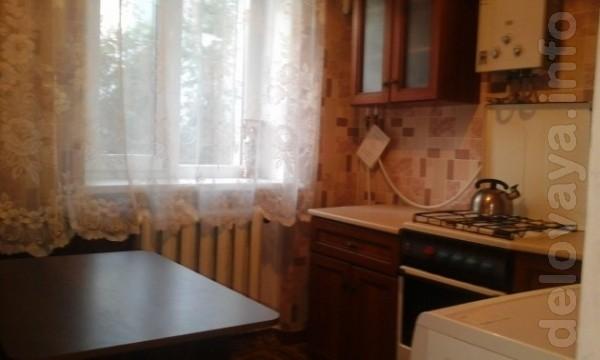 Квартира с хорошим косметическим ремонтом, встроенная кухня, современ