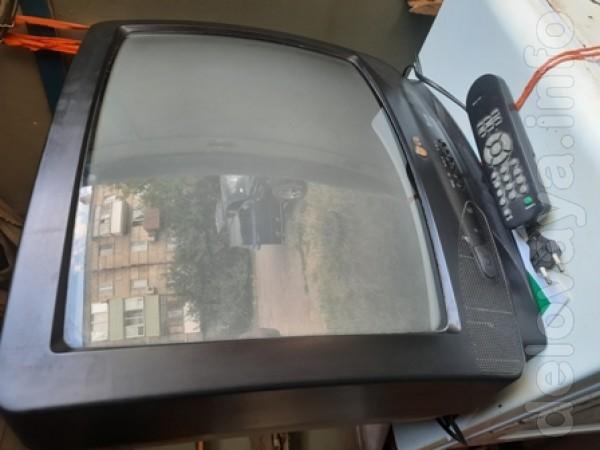 Телевизор LG, CF-20E60 Корея, с пультом ДУ, экран 20' (51 см). 450 гр
