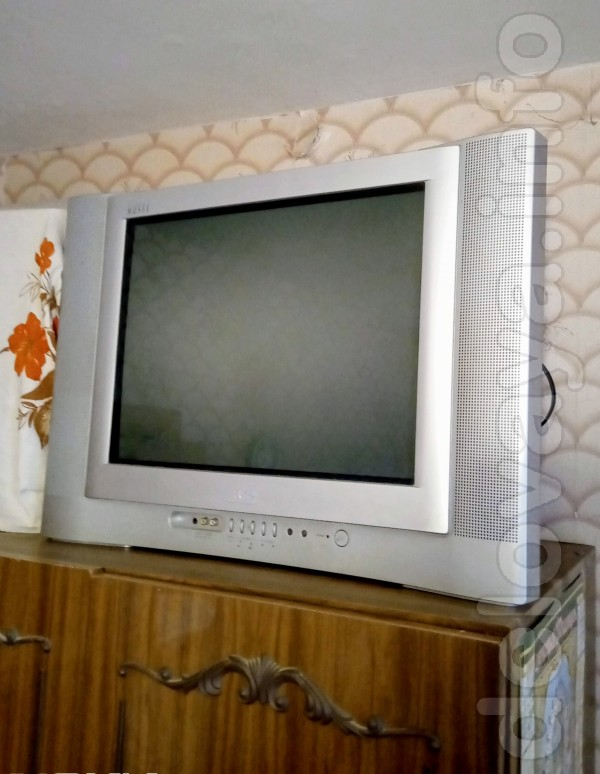 Телевизор JVC в хорошем рабочем состоянии, имеется пульт д/у.
