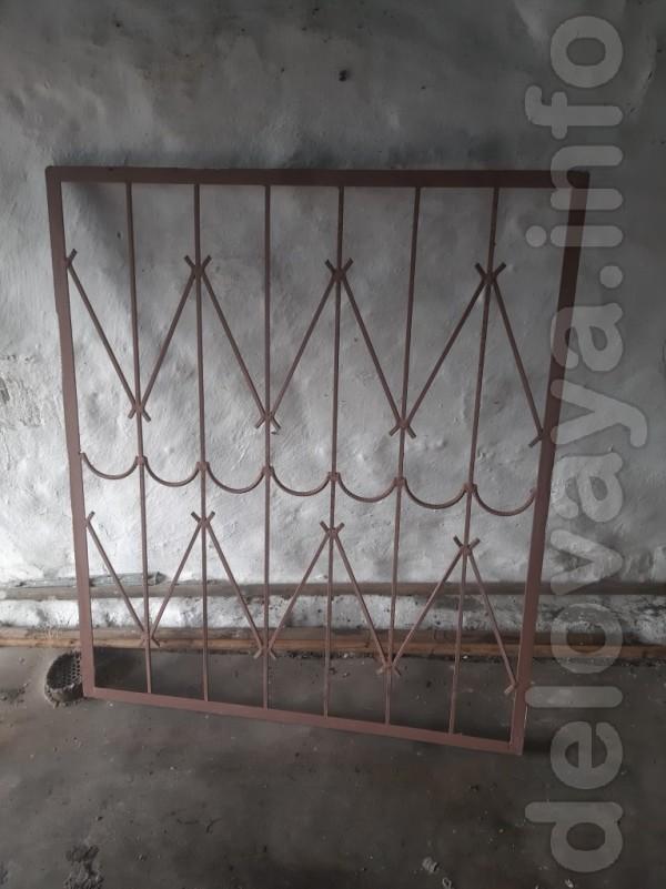 Продам железные решетки на окна, размер: 95*111 и 139*111