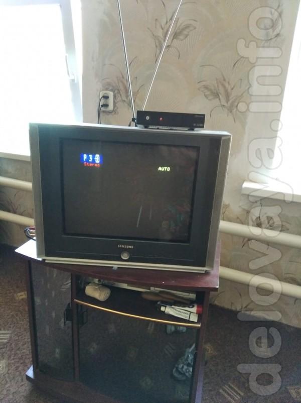 Продам телевизор с приставкой. Недорого. В рабочем состоянии.