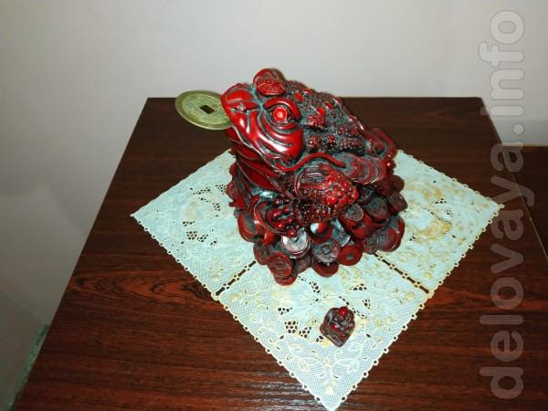Продам фигурку Трехлапая жаба с монетой. Материал каменная крошка. От