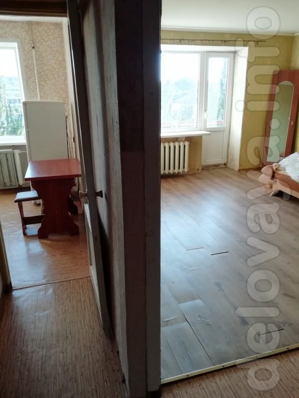 Сдам 1-но комнатную квартиру в Центре Лисичанска в долгосрок. Оплата