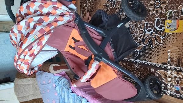 Продам прогулочную коляску бебихит в отличном состоянии есть дождевик
