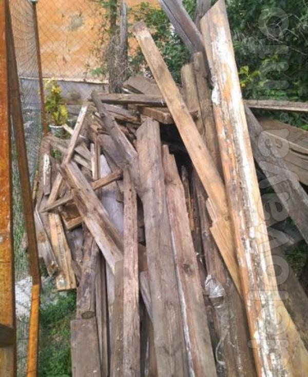 Продам дрова с разборки. Цена договорная. Звоните с 8.00 до 19.00.