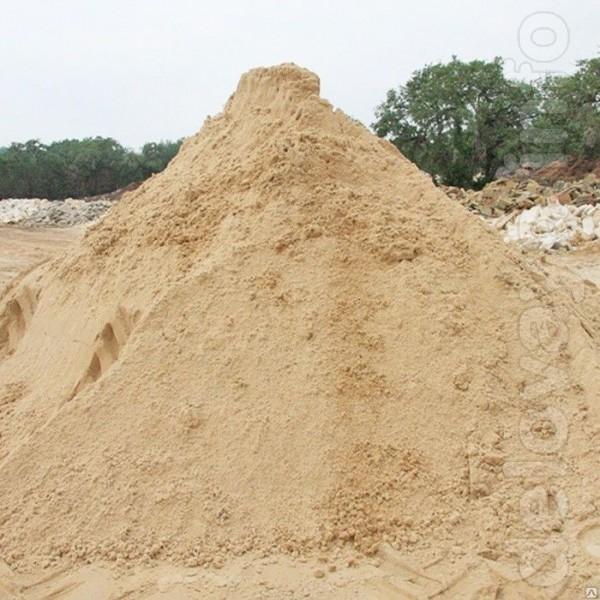В наличии песок карьерный. Продажа осуществляется от 1 тонны. Цена до