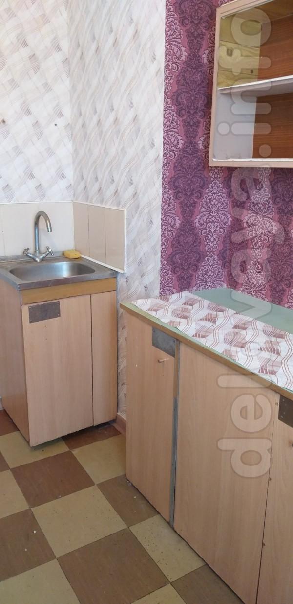 В районе 14 школы сдам 2-комнатную квартиру на длительный срок. ул. Г