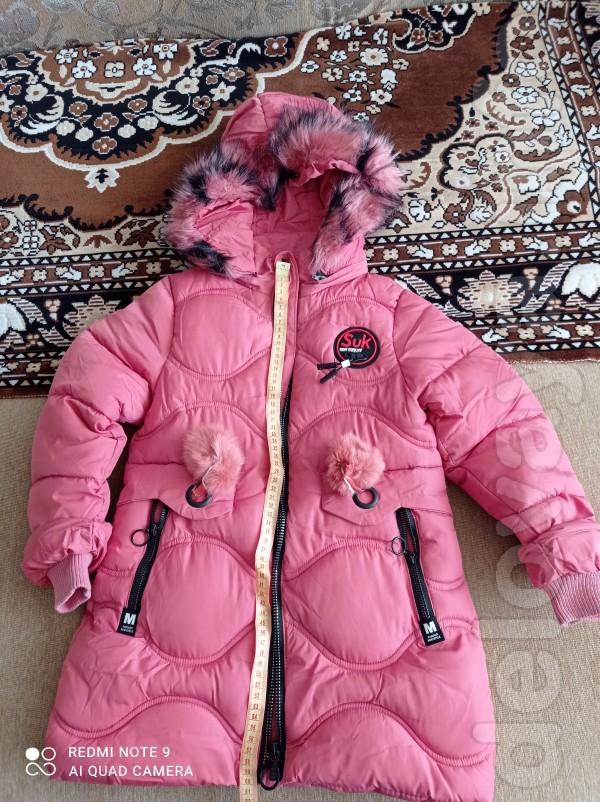 Новая , красивая пуховая куртка для девочки 4-6лет длинна от плеча 60