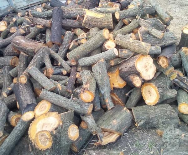 Продам пиленные дрова твёрдой породы. Звоните с 8.00 до 19.00. Воскре