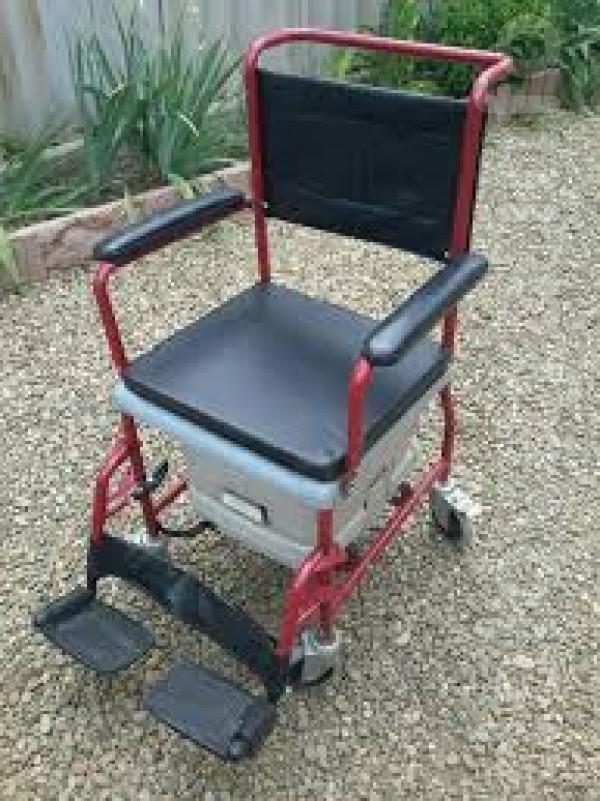 Продам кресло каталку с санитарным оснащением ( в упаковке, новое), п