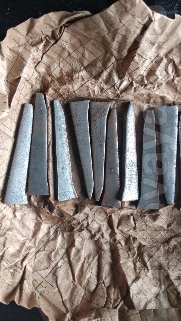 продам новые клинья для монтажа ножек на ванну цена 100грн