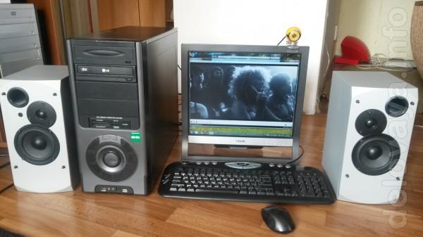 Компьютер в сборе, для интернета с Ж/К -монитором 'Самсунг' .Ноутбук