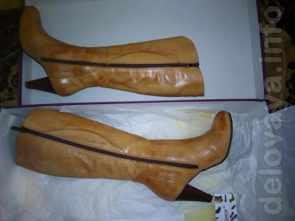 Сапоги женские кожаные. В хорошем состоянии новой вещи. Носились неск