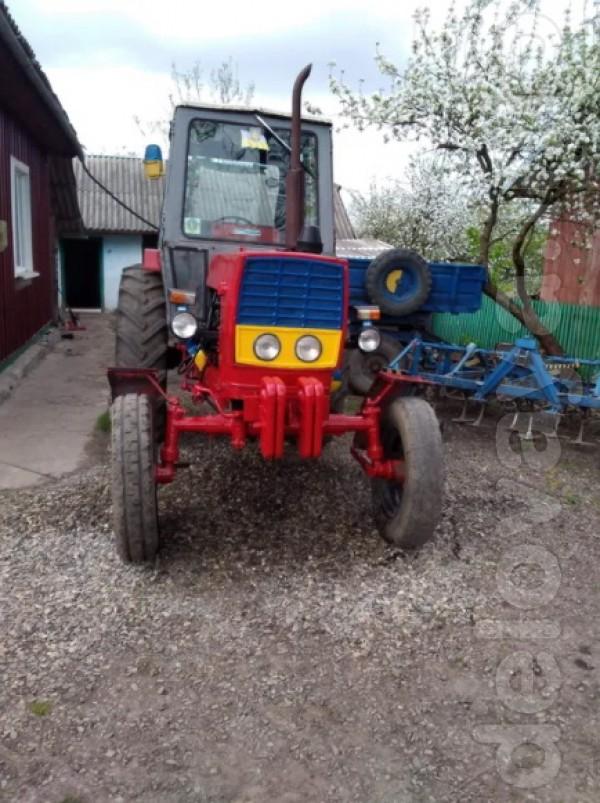 Продам: -трактор ЮМЗ (є нові передні колеса) з документами в доброму