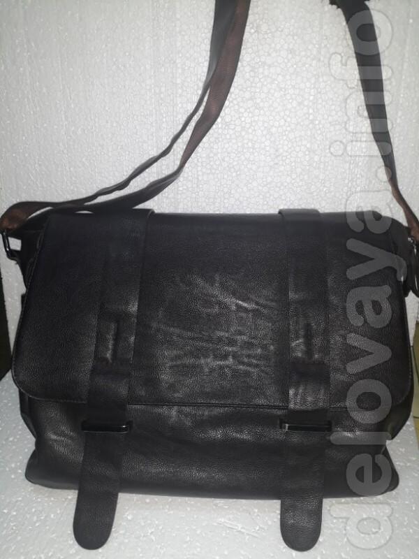 Продам мало б/у кожзам мужскую сумку  в отличном состоянии. Цвет - ко