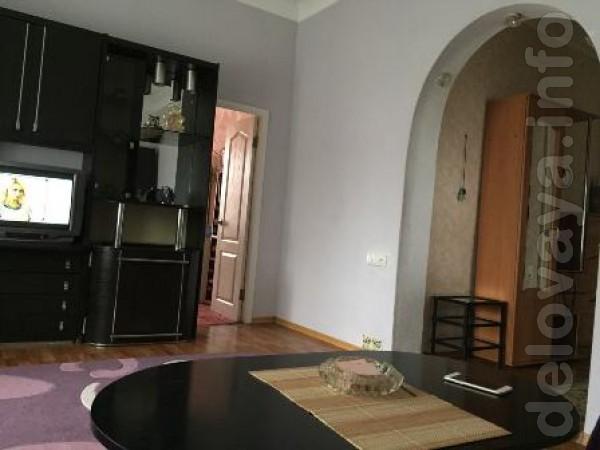 1/3 этаж, комнаты раздельные, высокий цоколь, санузел совмещен, индив