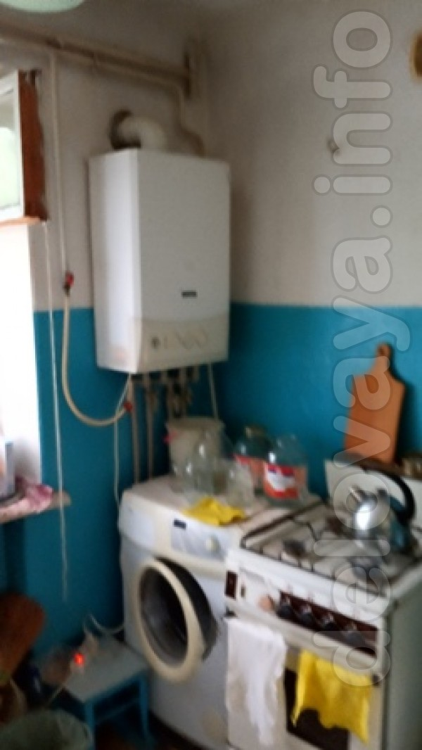 Теплый кирпичный дом, не угловая, 1/4 этаж, индивидуальное газовое от