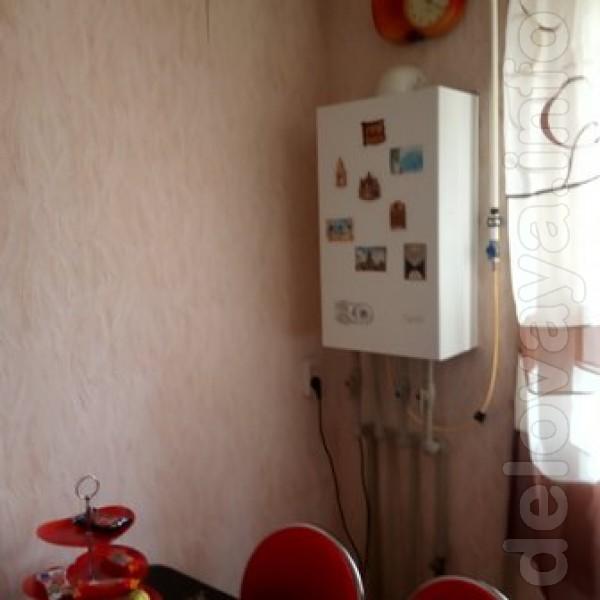 Продам 3х комнатную квартиру в центре Лисичанска с индивидуальным газ