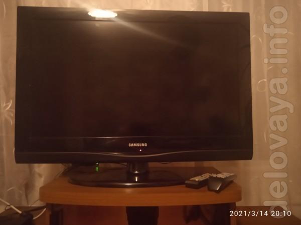 Продам телевизор Samsung ж/к 32 дюймов.В отличном состоянии.