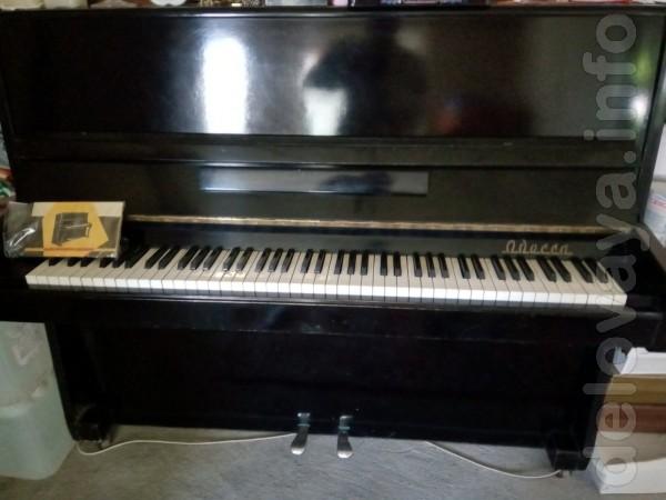 Пианино черного цвета, в отличном рабочем состоянии - 7000 грн. Т. 09