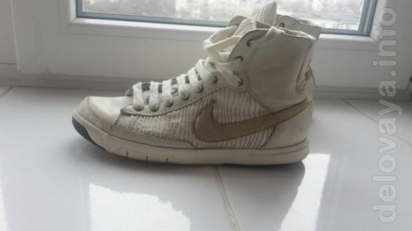 Продам Кроссовки из натуральной кожи Nike - Стильная и удобная обувь