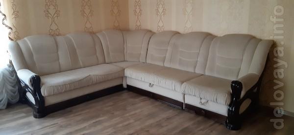 Продаётся угловой раскладной диван,бежевого цвета,материал каркаса-де