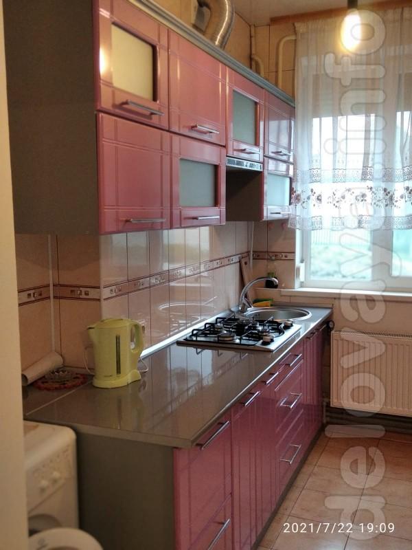 Продаётся 3-х комнатная квартира в Лисичанске р-н рынка Джамиля с авт