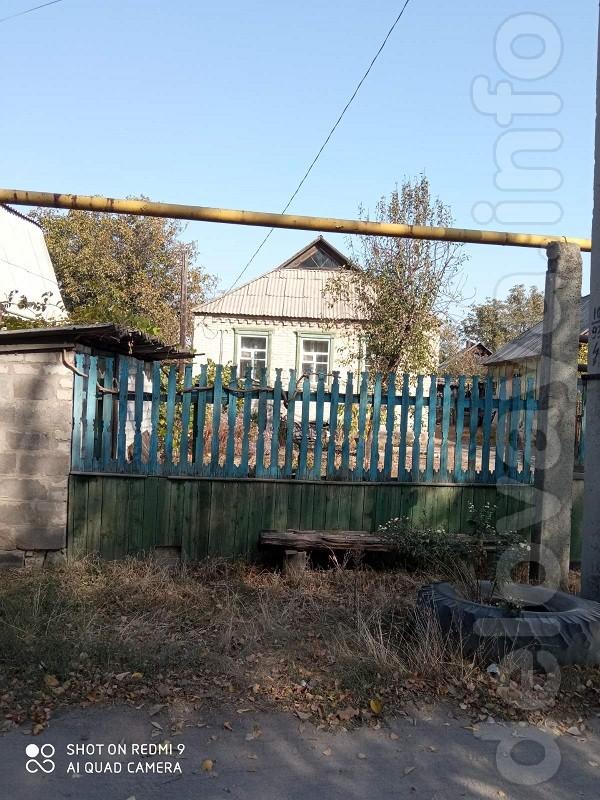 Дом в пос. Павлоград (4 комн., 60 кв. м, в жилом состоянии, с/узел, к