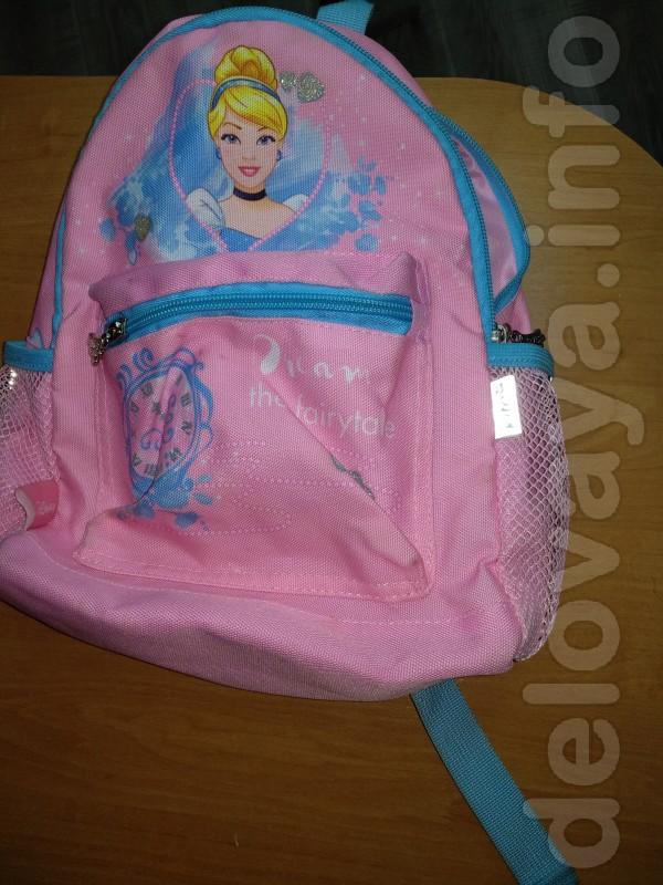 Рюкзак мало б/у.Рюкзак дошкольный Kite Kids Princess выполнен из поли