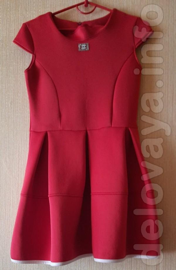 Платье для девочки 7-9 лет. Длина спереди и по спине - 75 см, плечи -