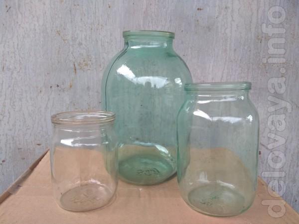 Продам стеклянные банки для консервации б/у. Цена: 0,5 л.-2 грн.; 1л.