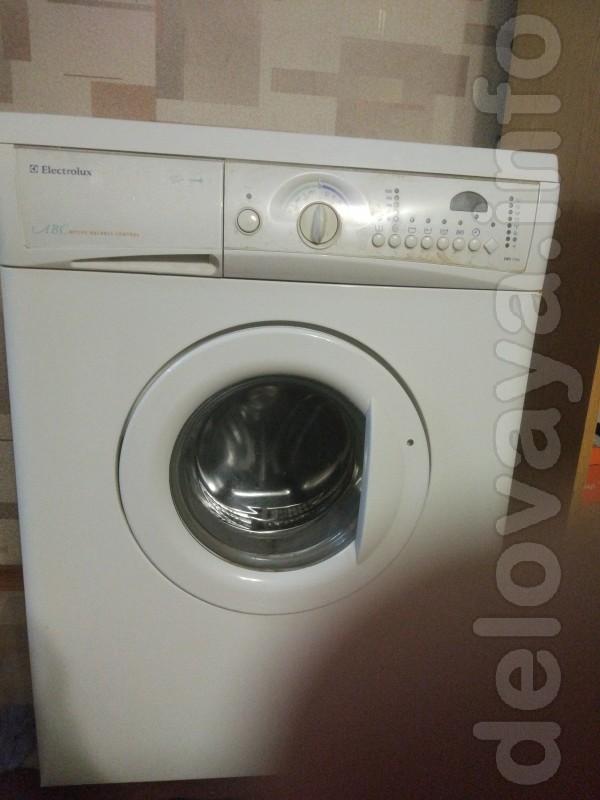 Продам стиральную машинку в рабочем состоянии и 2х камерный холодильн