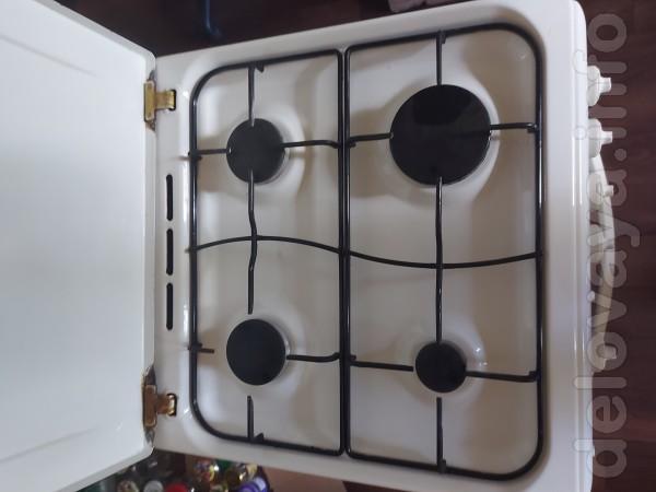 Продам газовую плиту indesit. 4 комфорки, электроподжиг, духовка с фу