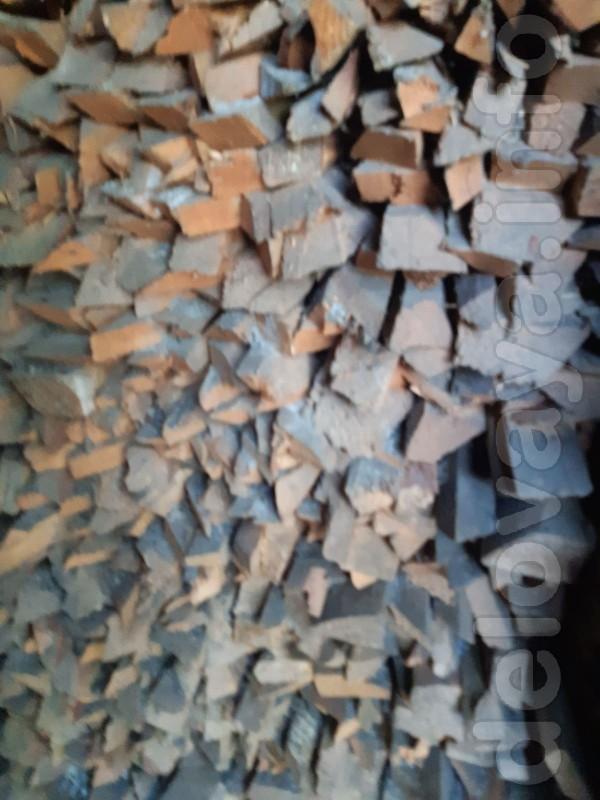 Продам порубленные дрова для растопки печи и отопления. Дрова сухие.