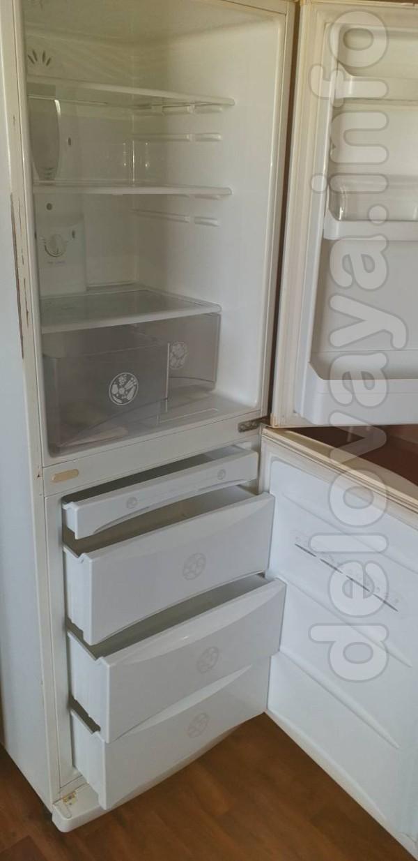 Холодильник LG, ноуфрост, в хорошем рабочем состоянии. Все вопросы по