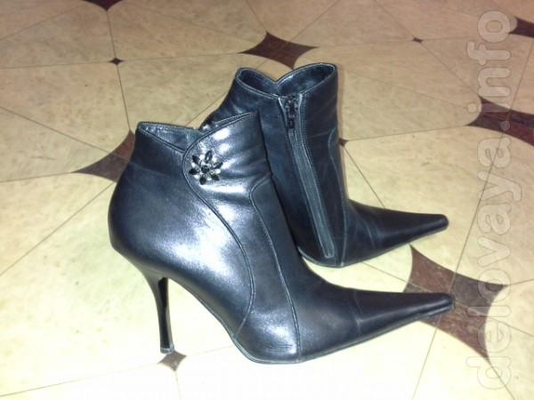 Продам полусапожки черные кожаные демисезонные, мало б\у,37 размер,