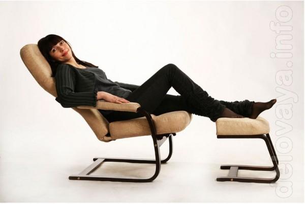 Это кресло хорошо подходит для кормления грудью в позе «колыбелька» д