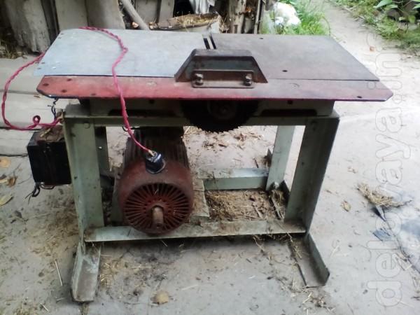 Продам самодельную циркулярку - деревообрабатывающее оборудование, де