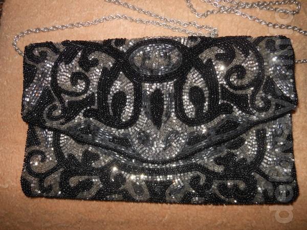 Эксклюзивная театральная сумочка в идеальном состоянии, чёрного цвета