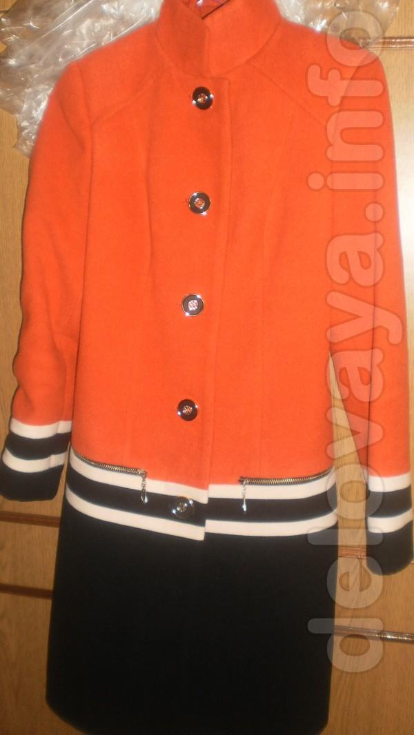 Продам пальто(весна) 42 разм . в отличном состоянии . цвет-красно-чёр
