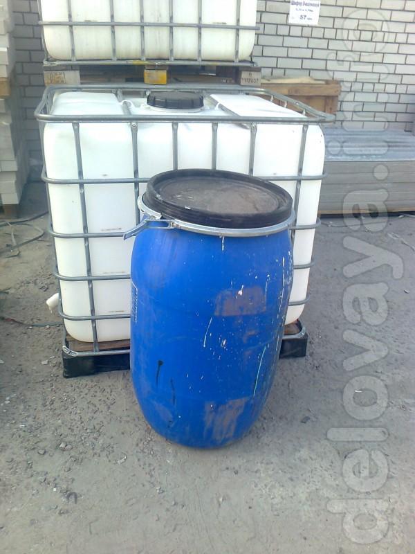 Продам ёмкости пластмассовую в металлической обрешётке на поддоне (ев