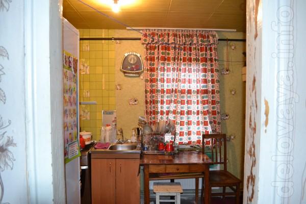 Продам кирпичный дом по ул. Карла Маркса на 2комнаты + кухня. Туалет