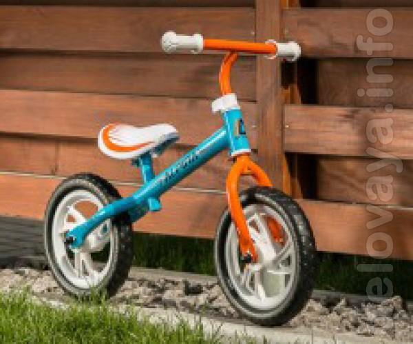 Уже с 10 месяцев Ваш ребенок может кататься на беговеле, руль и сиден