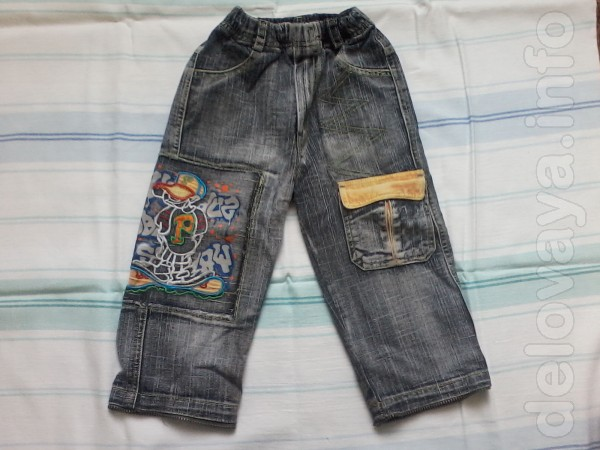 Продам джинсовые брюки б/у на мальчика от 4-х до 6-ти лет.