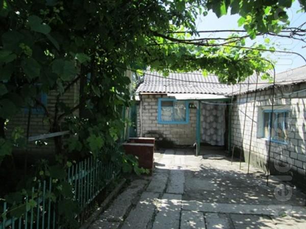 Ул. Блюхера (Половецкая), район за переездом, дом саман, обложен кирп