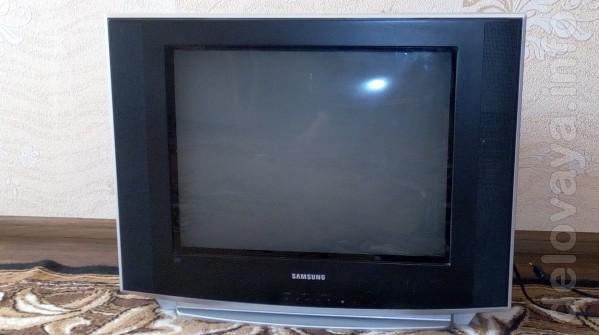 Телевизор самсунг, цветное изображение, в рабочем состоянии, плоский