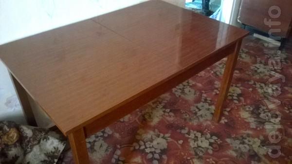 Продам стол раздвижной полированный в отличном состоянии.Лисичанск це
