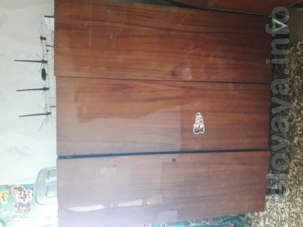 Продам шкаф,сервант и книжный шкаф!Все вопросы по тел: 0993786629.