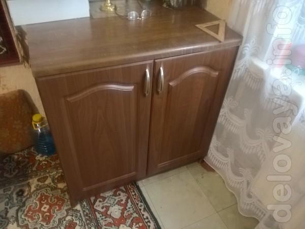 Продам кухонный стол,состояние отличное.